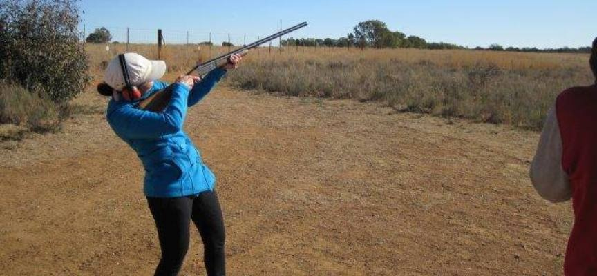 Clay Pigeon Shooting Experience in Parys-5