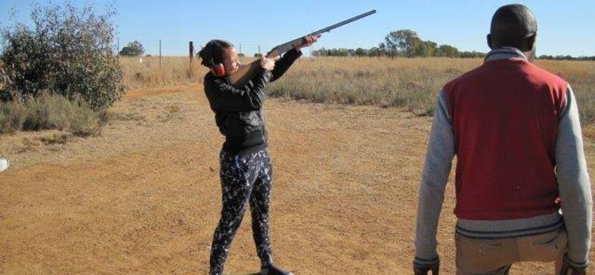 Clay Pigeon Shooting Experience in Parys-4