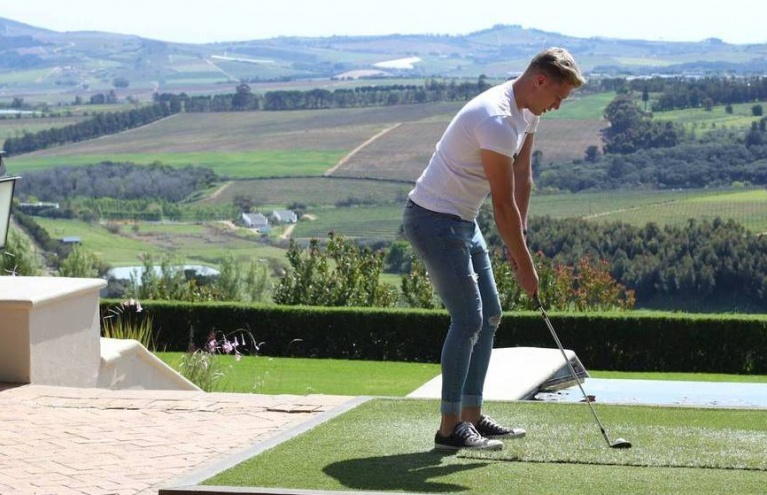 Golf-Wine-Tasting-Target-Sports-For-Two-in-Stellenbosch.jpg