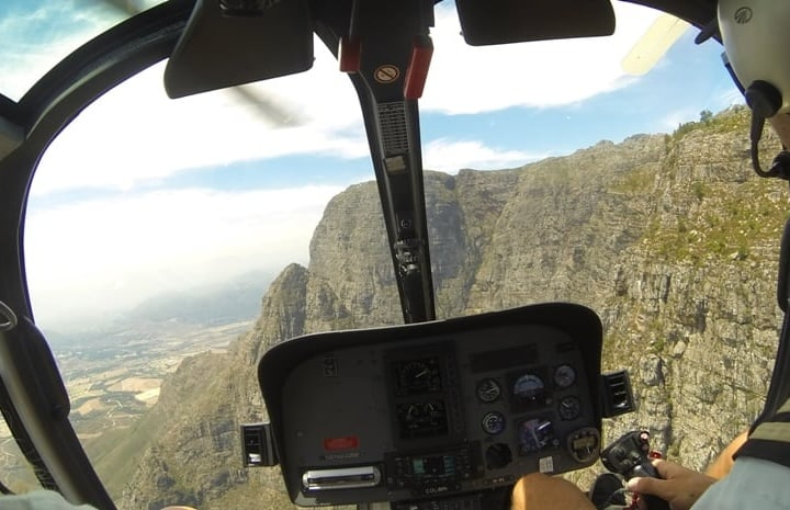 Helicopter-Tour-Winelands-Lunch-in-Cape-Town-big-2.jpg