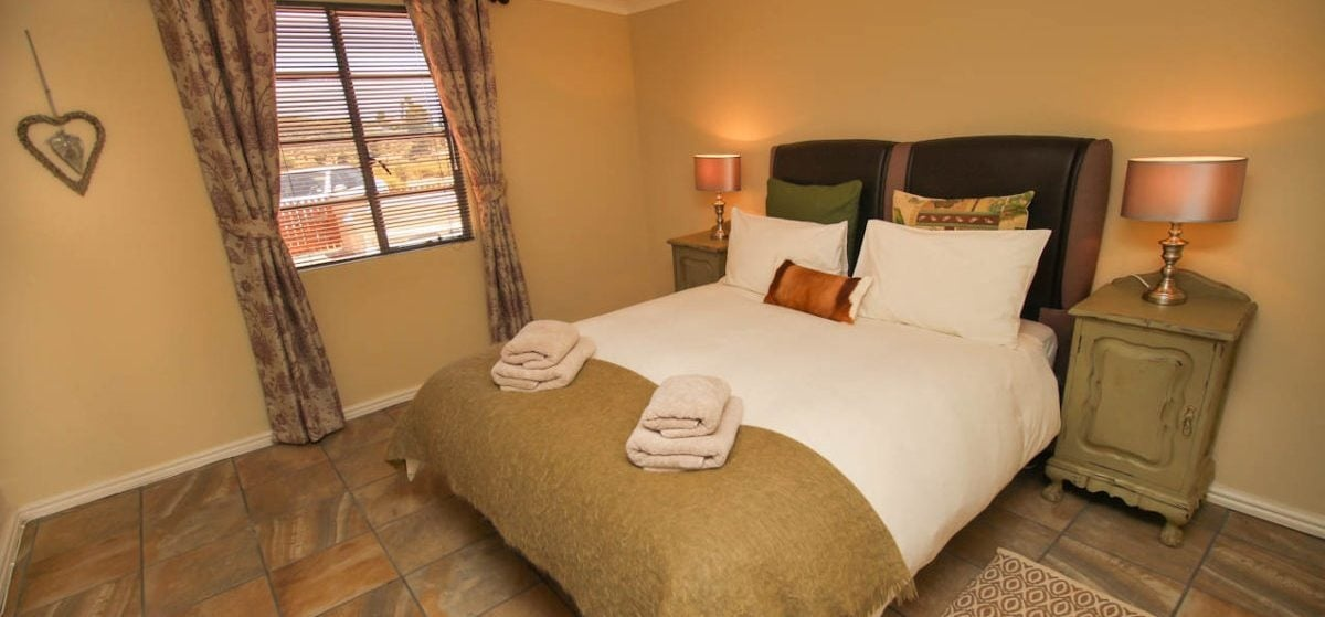 Overnight Cottage Break For Two in Montagu Western Cape-6