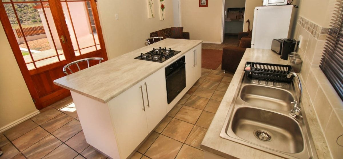 Overnight Cottage Break For Two in Montagu Western Cape-7