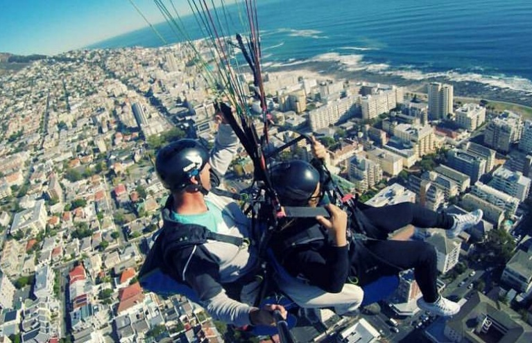 Lions-Head-or-Signal-Hill-Tandem-Paragliding-big.jpg