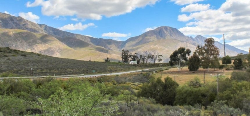 Overnight Cottage Break For Two in Montagu Western Cape-11