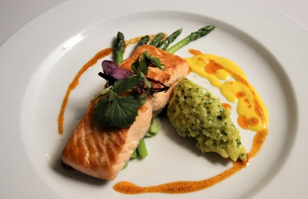seasoned-chef-salmon-main-meal.jpg